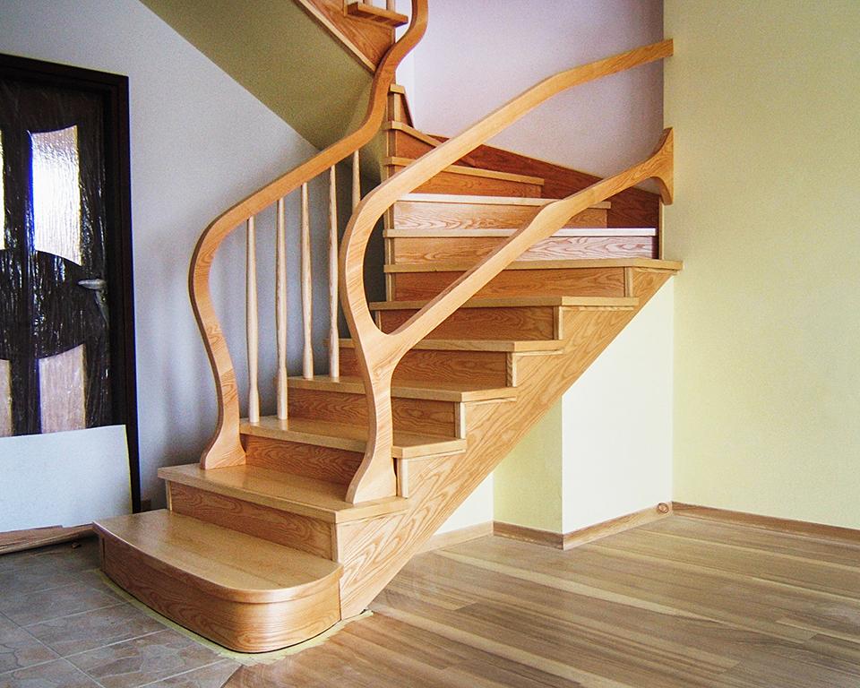 01 schody drewniane NA BETON