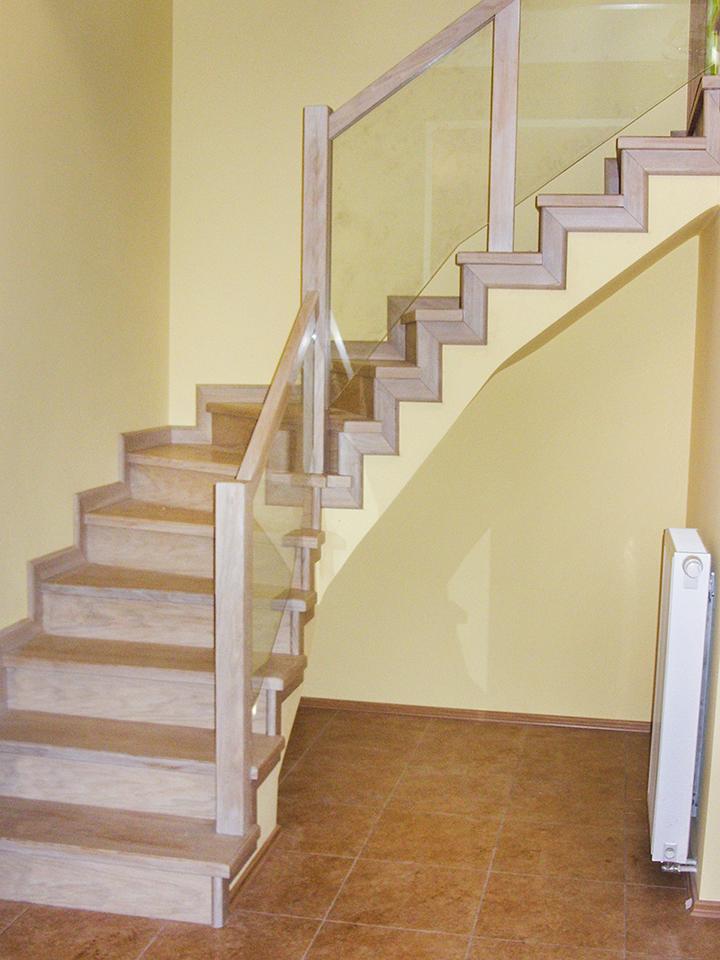02 schody drewniane NA BETON