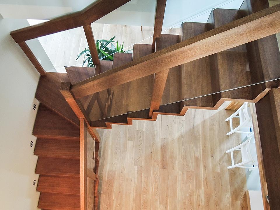 03 schody drewniane NOWOCZESNE