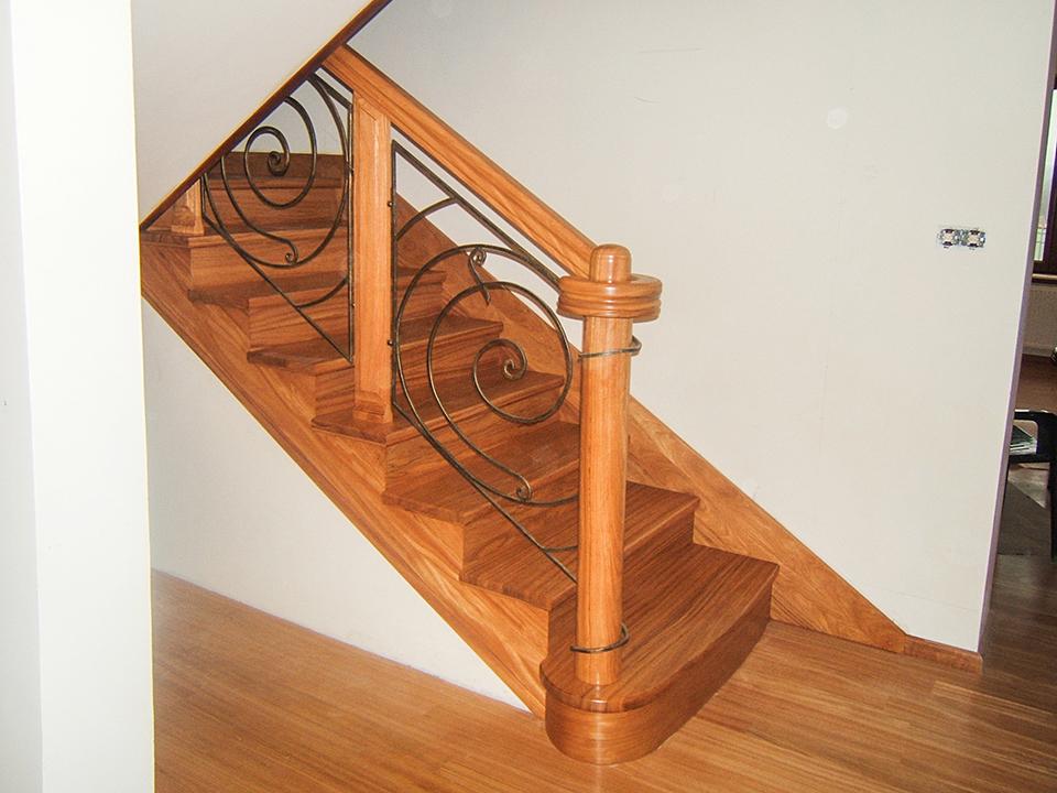 03 schody drewniane NA BETON