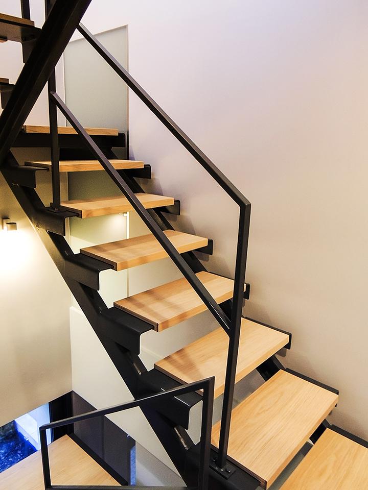 12 schody drewniane NOWOCZESNE