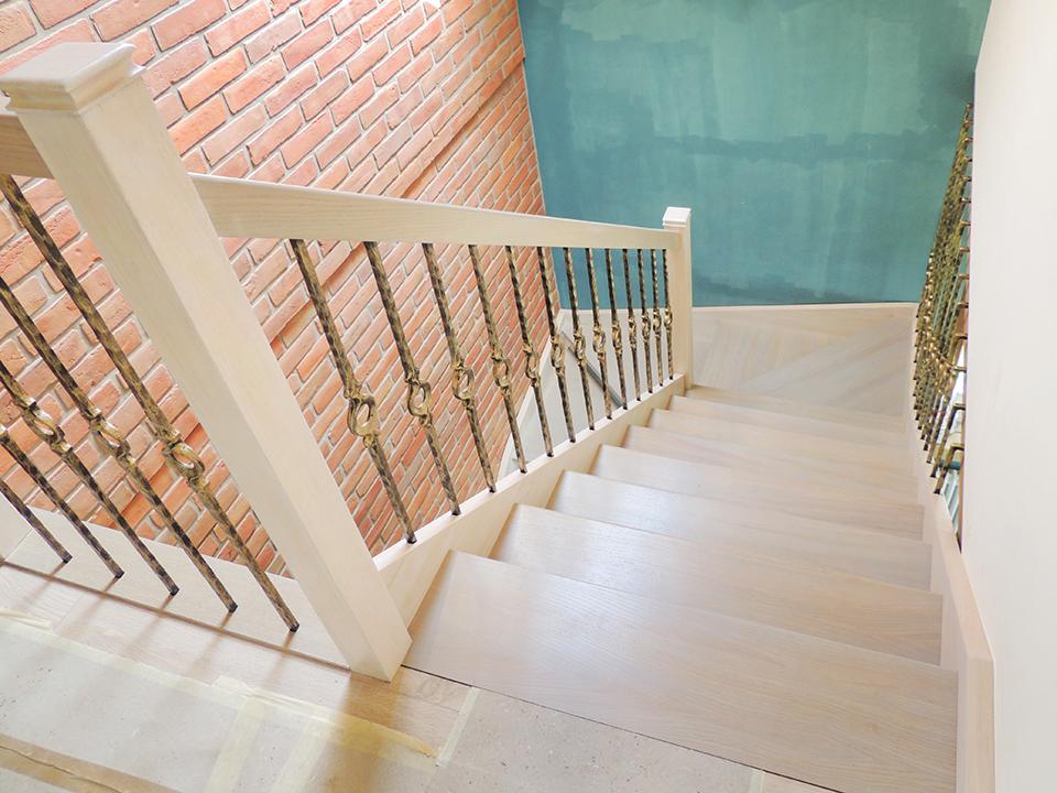 12 schody drewniane WOLNOSTOJĄCE