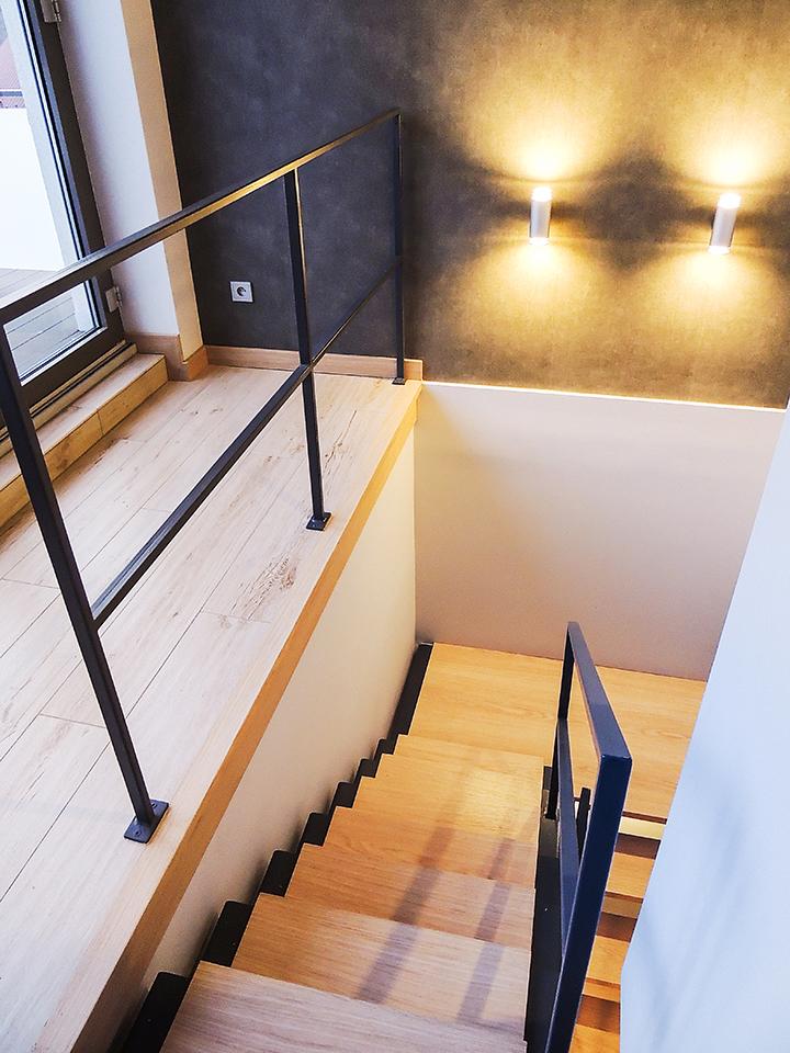 13 schody drewniane NOWOCZESNE