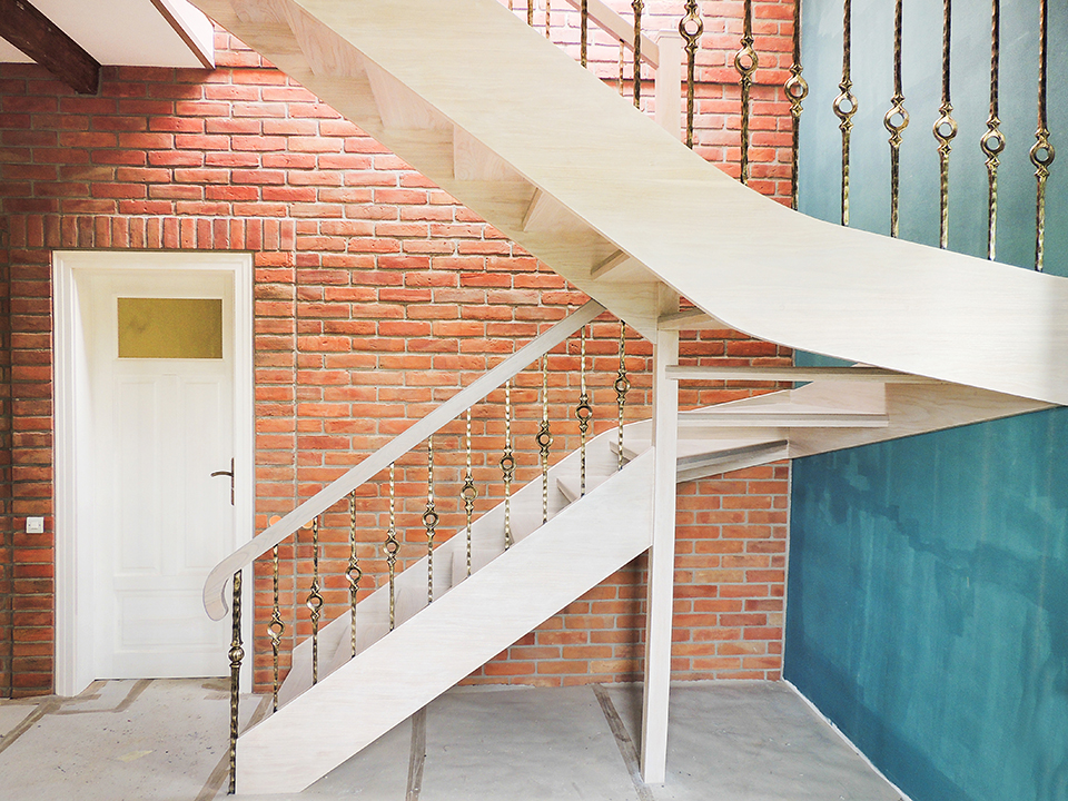 13 schody drewniane WOLNOSTOJĄCE