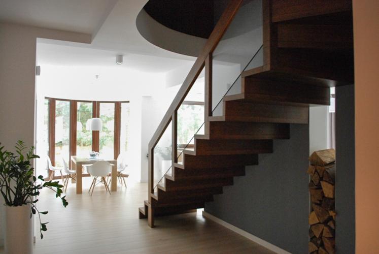 15 schody drewniane NOWOCZESNE