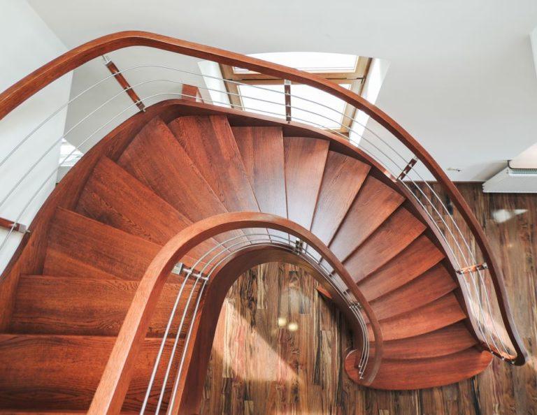 klasyczne schody drewniane SCHODUS