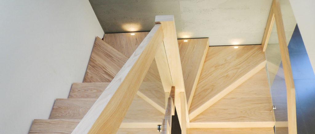 nowoczesne schody drewniane SCHODUS