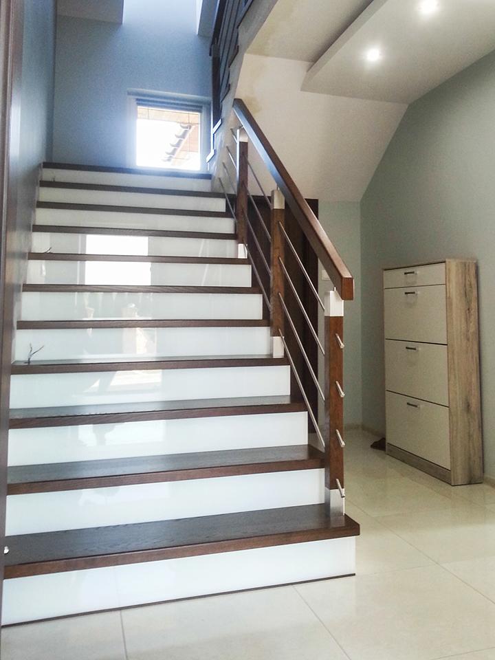 14 schody drewniane NA BETON