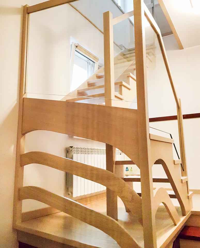 21 schody drewniane WOLNOSTOJĄCE