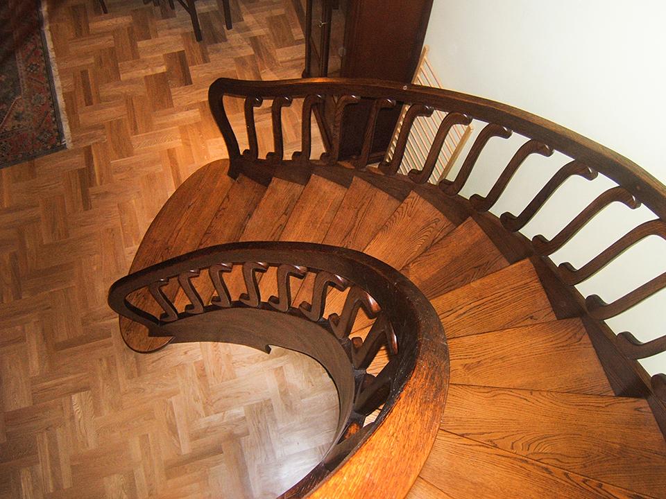 03 schody drewniane GIĘTE SCHODUS