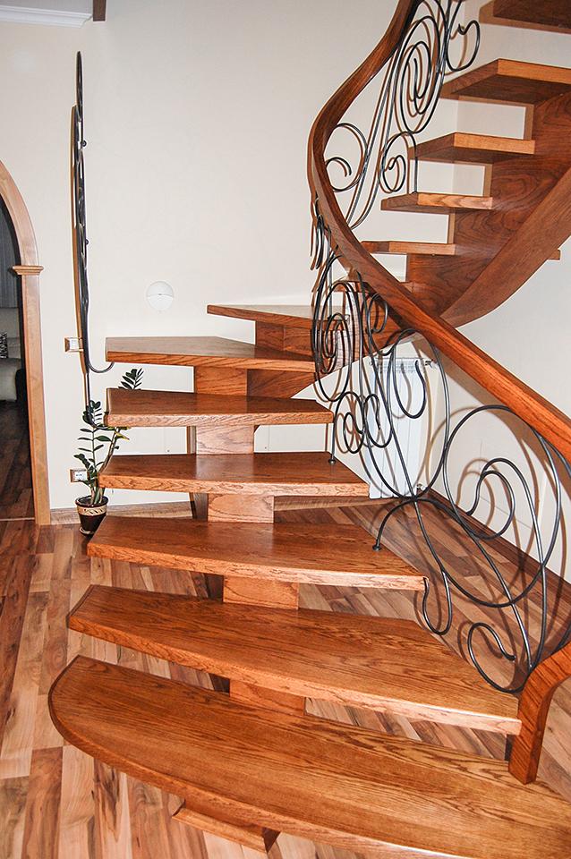 06 schody drewniane GIĘTE SCHODUS