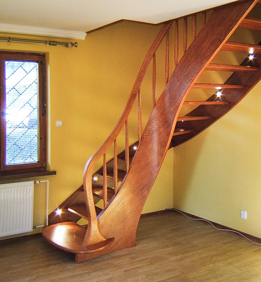 02 schody drewniane GIĘTE SCHODUS