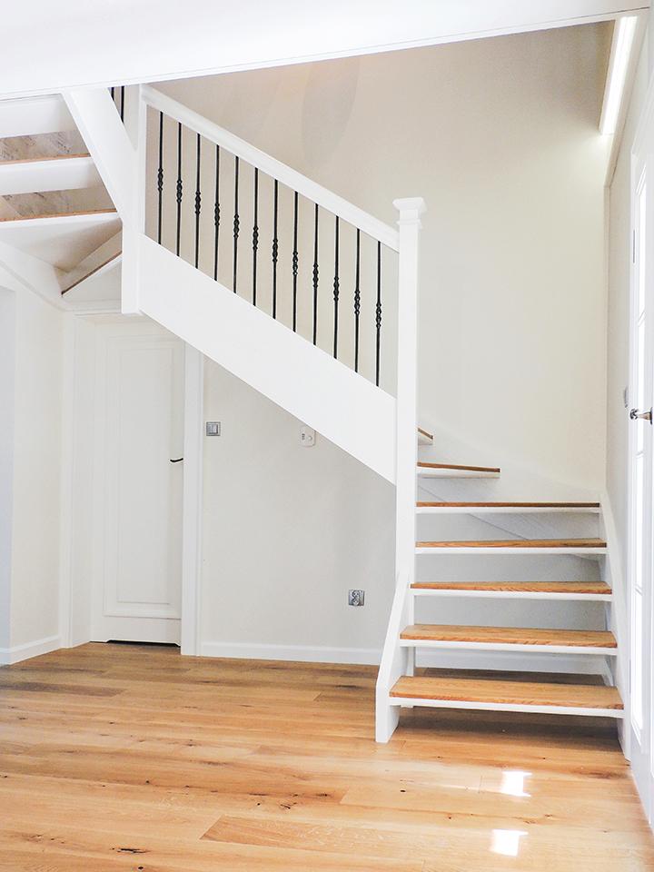 39W schody drewniane WOLNOSTOJĄCE