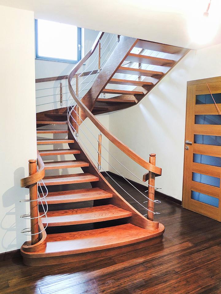 24 schody drewniane GIĘTE SCHODUS