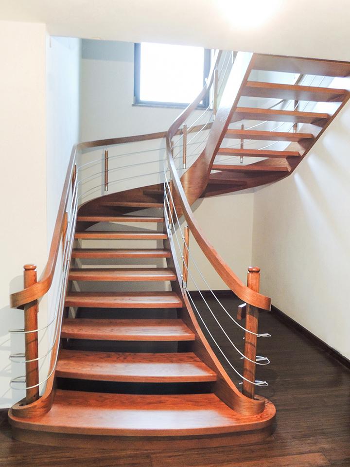 25 schody drewniane GIĘTE SCHODUS