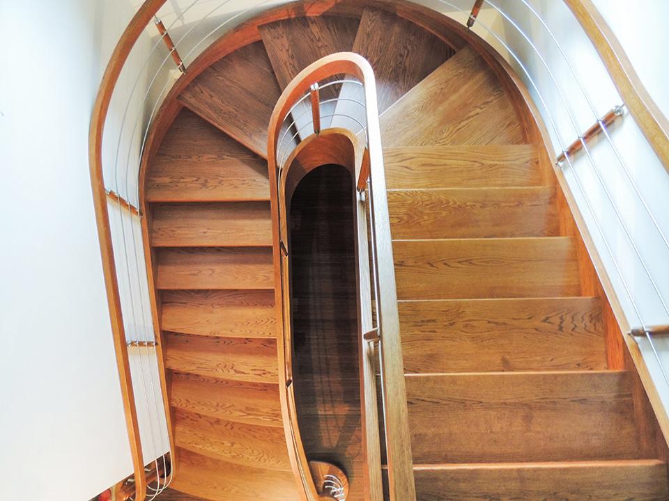 26 schody drewniane GIĘTE SCHODUS