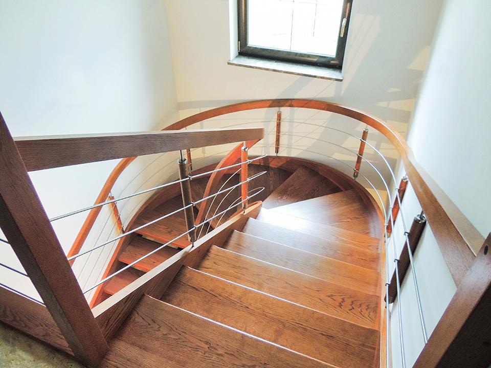28 schody drewniane GIĘTE SCHODUS