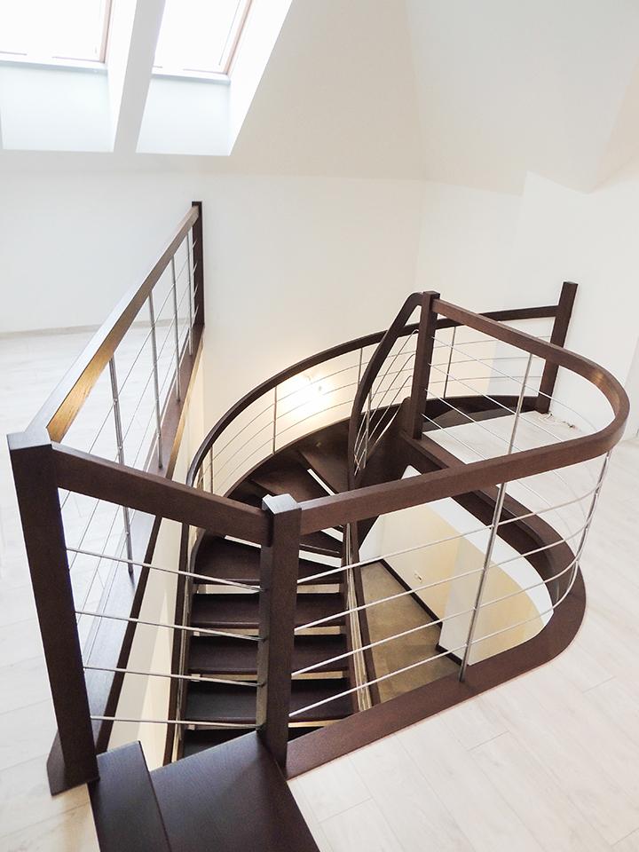 21 schody drewniane GIĘTE SCHODUS