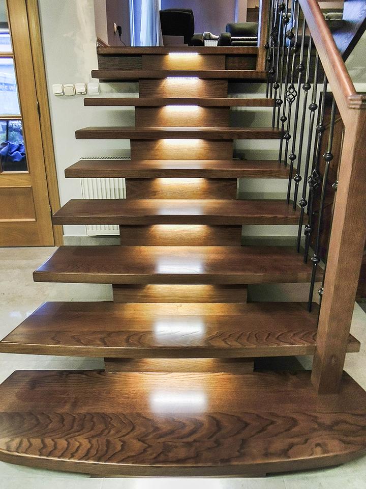 18 schody drewniane WOLNOSTOJĄCE