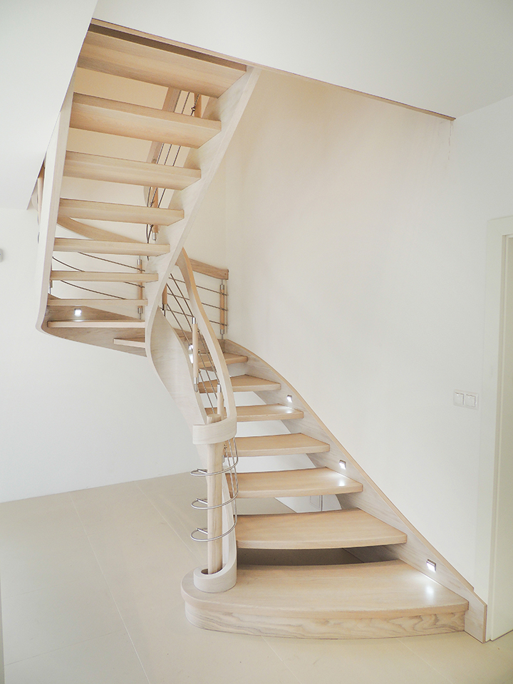 56 schody drewniane GIĘTE SCHODUS