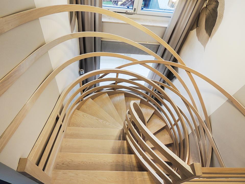 66 schody drewniane GIĘTE SCHODUS