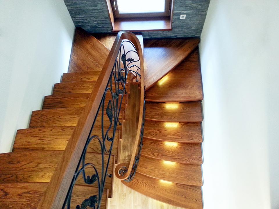 45 schody drewniane GIĘTE SCHODUS