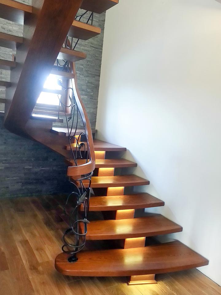 47 schody drewniane GIĘTE SCHODUS