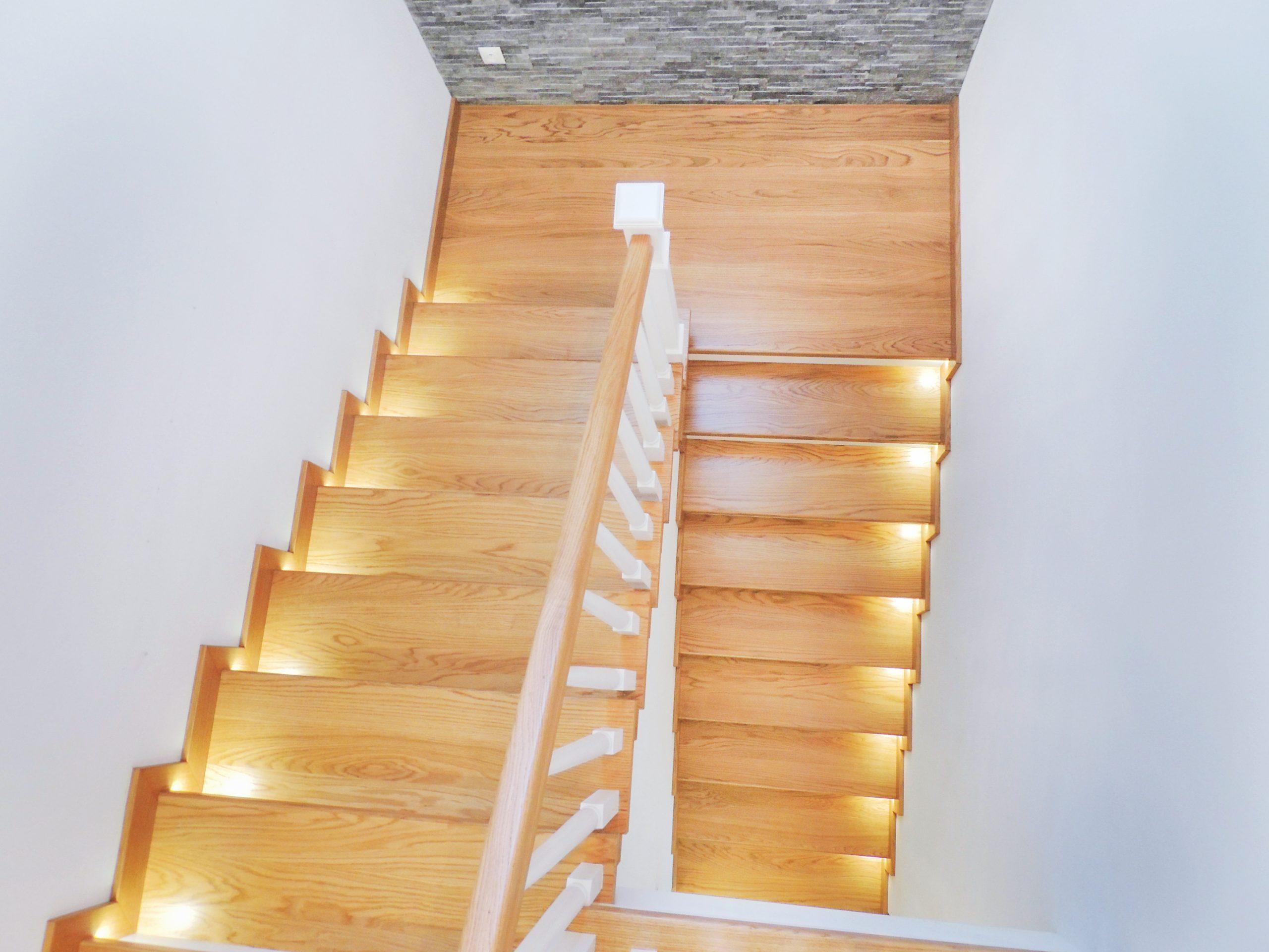 25 schody drewniane NA BETON